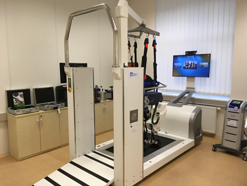 Robotická rehabilitace laboratoř FBMI ČVUT Kladno Reoambulator