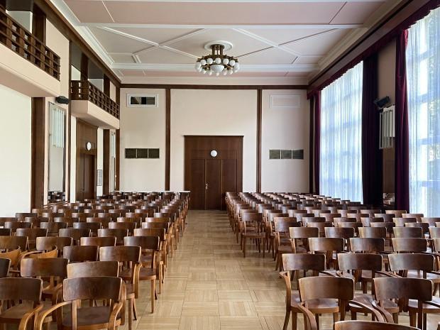 Luhačovice - Společenský dům sál 1