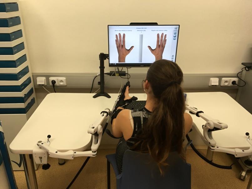 Robotická rehabilitace laboratoř FBMI ČVUT Kladno Gloreha